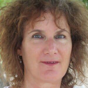 אורנה קליין קדרון מומחית בטיפול רגשי, הדרכת הורים, טיפול CBT בחיפה ובטבעון והסביבה- מרכז רימון