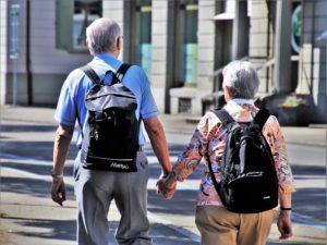 קבלת עזרה בגיל זקנה בקרב קשישים - מתי ואל מי לפנות?