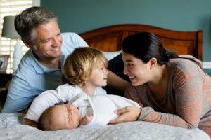 משפחה עם ילדים בגיל הרך - מרכז רימון - טיפול פסיכולוגי וטיפול דיאדי בפריסה ארצית