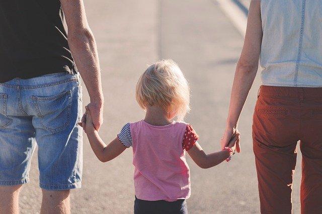 מחפשים מומחים בהדרכת הורים במודיעין? רוצים להתיעץ עם פסיכולוג מומלץ בהדרכה הורית במכבים-רעות? מרכז רימון - מודיעין מכבים רעות והסביבה