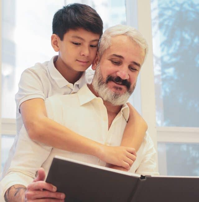 מה זה אימפולסיביות? האם יש קשר בין התנהגות אימפולסיבית להפרעת קשב? איך עוזרים לילדים ומבוגרים אימפולסיביים? אסתר גולדנברג פסיכולוגית קלינית בכירה, מחברת הספר ADHD להבין ולהיות מובן, מסבירה