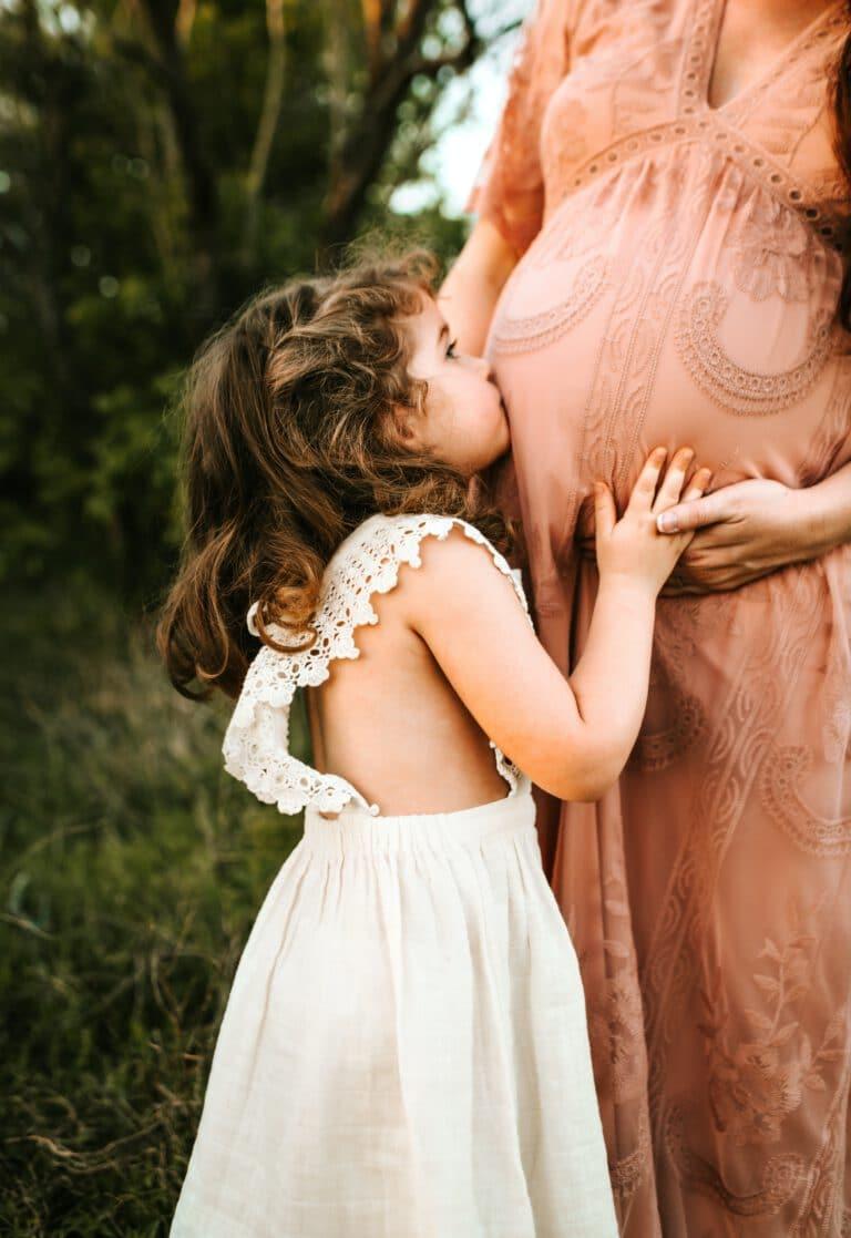 מה גורם להתקפי חרדה בהריון? מהם התסמינים? והשפעות על העובר? מה יכול לעזור? וכיצד למצוא מטפלים מומחים בתחום? תשובות לכל השאלות מאת מומחי מרכז רימון